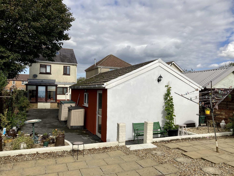 Mynydd Garnllwyd Road, Morriston, Swansea, SA6 7NZ